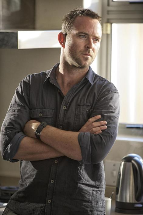 8picture-of-sullivan-stapleton-in-strike-back-large-picture-strike-back-season-391288238